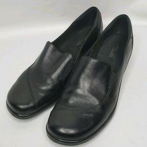 Womens Clarks Black Slip Shoes Leather Slip On 9.5